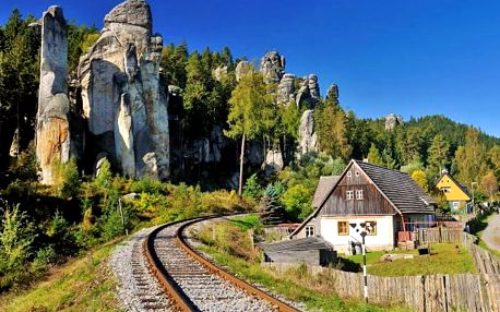 Ve znamení výletů: Adršpach v chatkách na 3 a více dní s polopenzí