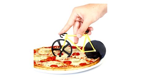Kolečko na pizzu ve tvaru jízdního kola