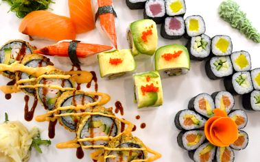 Pokyňte hůlkami slunci: 38 ks chutného sushi