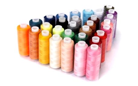 Šicí nitě v různých odstínech - 30 kusů