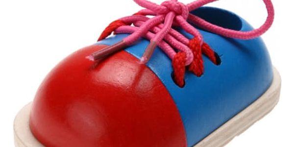 Pomůcka pro rychlé naučení zavazování tkaniček