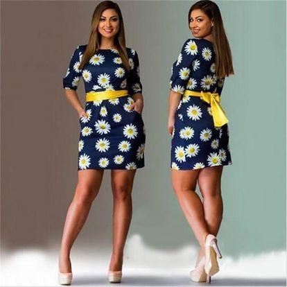 Módní květinové šaty v plus size velikostech