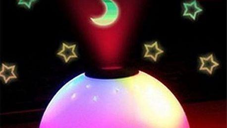 Budík s projekcí času a noční oblohy