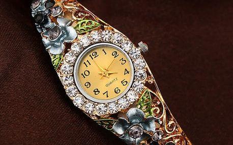 Dámské kovové hodinky s květinovým páskem - 6 barev