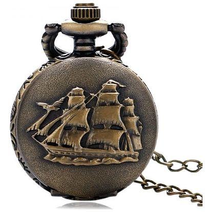 Malé vintage kapesní hodinky s plachetnicí