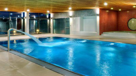 Luxusní tenis i plavání: 2× 60 minut pro dva