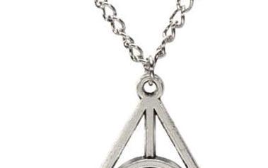 Náhrdelník s přívěskem ve tvaru trojúhelníku - stříbrná barva - dodání do 2 dnů