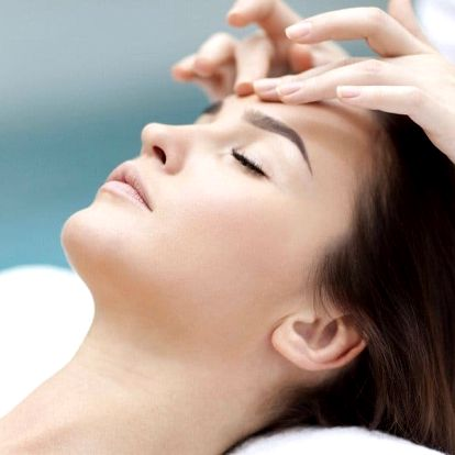 Omlazující ošetření pleti s masáží