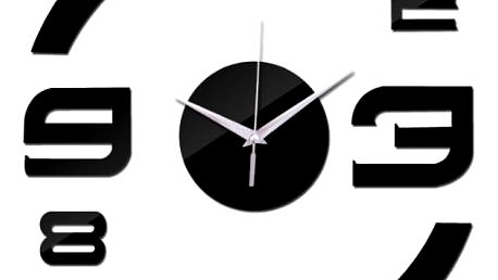 Asymetrické nástěnné hodiny ve třech barvách