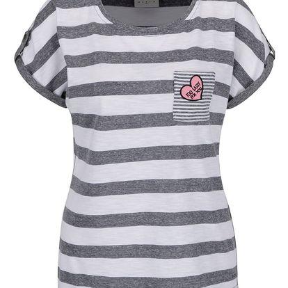 Šedo-bílé pruhované tričko s nášivkou VERO MODA Diana