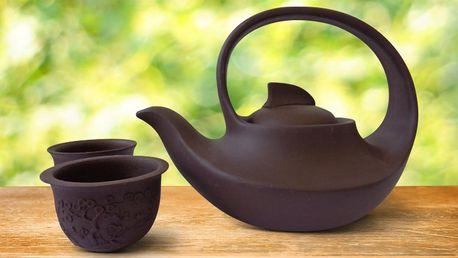 Čajový set konvičky a šálků se sypaným čajem