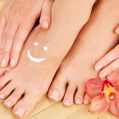 Pedikúra nebo manikúra pro krásně upravené nehty