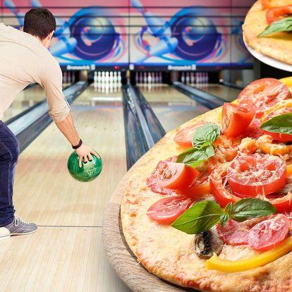 Bowling a 2 křupavé pizzy pro tým hráčů