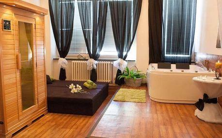 Hodina wellness uvolnění s aromatickou koupelí v privátní vířivce a lahví sektu v rehabilitačním studiu Agáta hotelu Golf na Praze 5