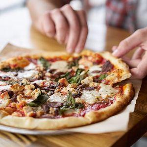 2x pizza ve Franko's Pizza v Českých Budějovicích
