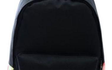 Černý dámský batoh s neobvyklými vzory