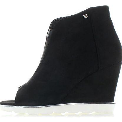 Černé boty na platformě Blanka