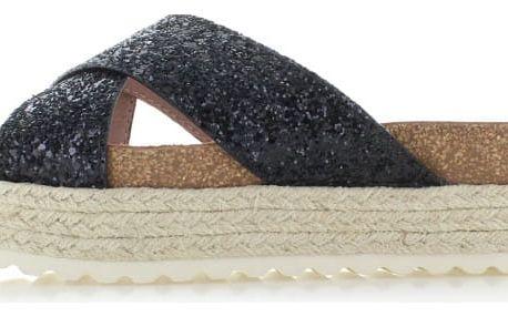 Dámské černé platformové pantofle Refresh 63326