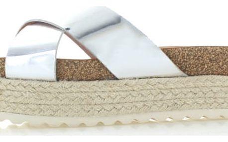Dámské stříbrné platformové pantofle Refresh 63327