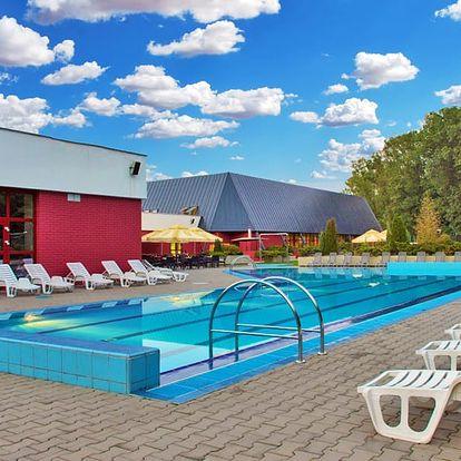 Nízký Jeseník: letní pobyt v podzámčí s neomezeným wellness, bazénem + 1 dítě zdarma