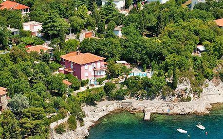 Severní Chorvatsko: ubytování ve Villa Dora 4* s bazénem a výhledem na moře