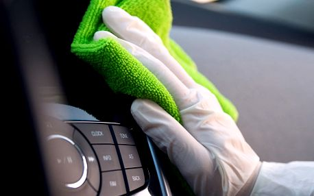 Kompletní čištění interiéru auta