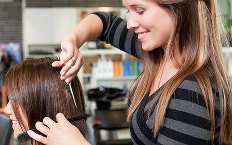 Kadeřnický balíček - barva nebo melír se střihem na jakoukoliv délku vlasů bez příplatku.
