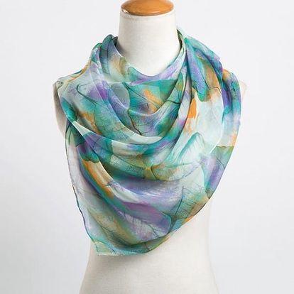 Elegantní lehký šátek s potiskem listů