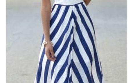 Dlouhé pruhované šaty s odhalenými rameny