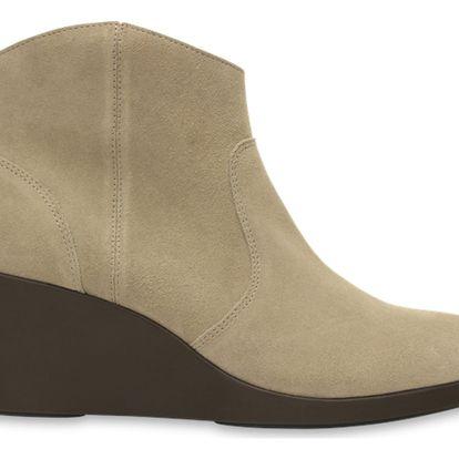 Crocs béžové boty na klínku Leigh Suede Wedge Bootie Tan - W9
