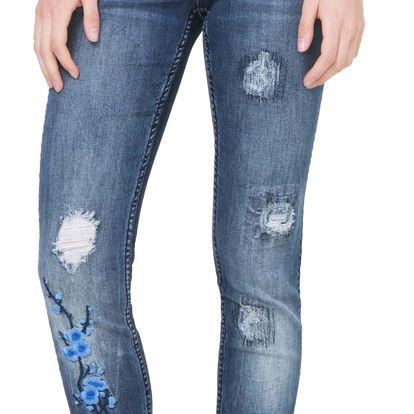 Desigual modré džíny Irene s výšivkami - 33