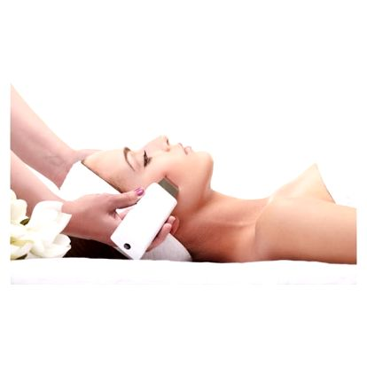 Až 3x 60min. masáž zad a šíje nebo masáž s kosmetickým balíčkem