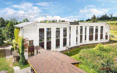 3–6denní pobyt s polopenzí v hotelu Holiday Parku Liščí Farma v Krkonoších pro 2