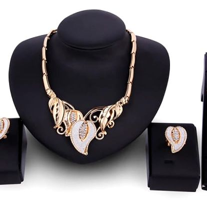 Sada šperků inspirovaná luxusními klenoty