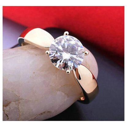 Dámský prsten s broušeným kamenem