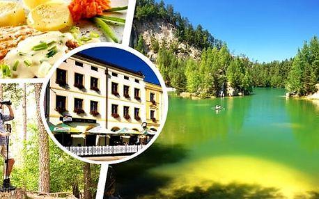 Letní dovolená v Adršpachu. 3, 4 nebo 6 dní v hotelu Praha Broumov s bohatou polopenzí pro dva. Vydejte se na výlet do největšího skalního města střední Evropy. Oblíbený cíl mnoha turistů i rodin s dětmi.