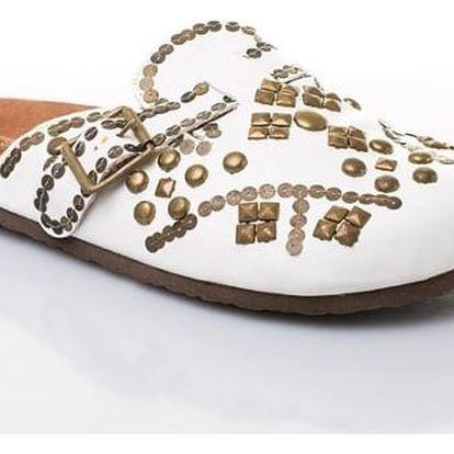 Dámské kožené pantofle s ozdobnými cvočky bílé