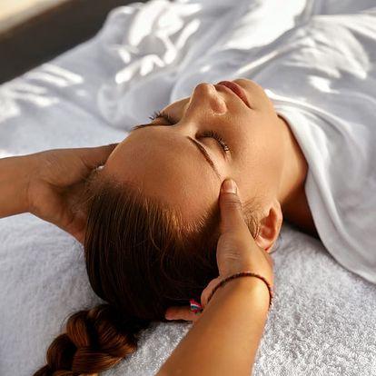 Péče pro lesklé vlasy všech délek s tekutým zlatem: střih, ampule pro růst, masáž, možný melír