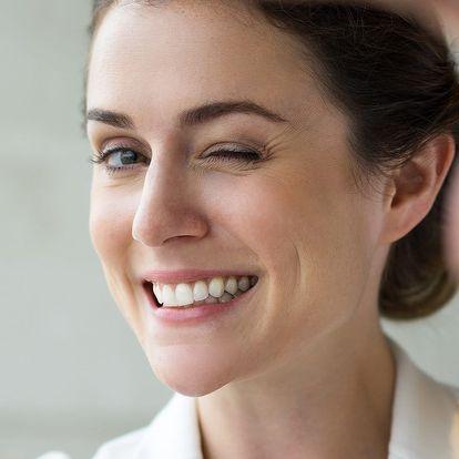 Pečlivá dentální hygiena = úsměv zářící zdravím
