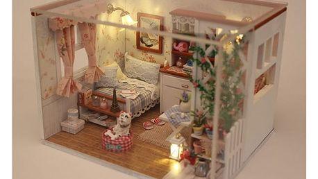 Vybavený domeček pro panenky - pokoj s lampičkou