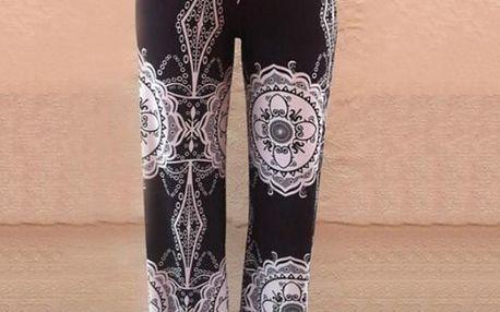 Harémové kalhoty s etnickým vzorem