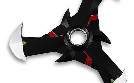 Fidget spinner jako antistresová hračka s designem působícím jako trojitá čepel