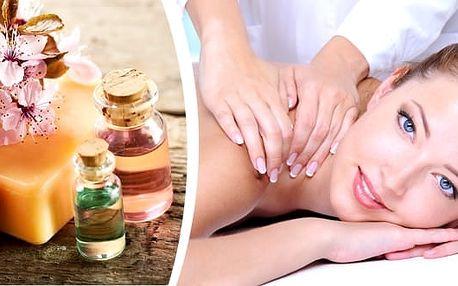 Detoxikační masáž zad a šíje se zábalem kambrickým jílem v délce 70 minut v salonu Ráj Plzeň. Užijte si blahodárnou masáž společně s fantastickými účinky zábalu, zbavte se toxinů, únavy a načerpejte novou energii.