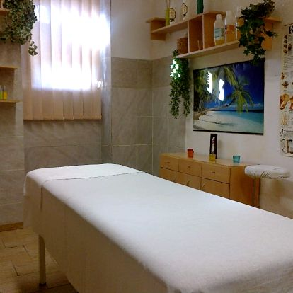 60-90min. relaxační masáž, na výběr z olejů v Hradci Králové