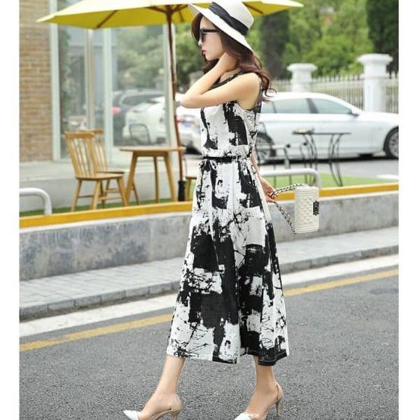 Letní šaty s dvoubarevným vzorem