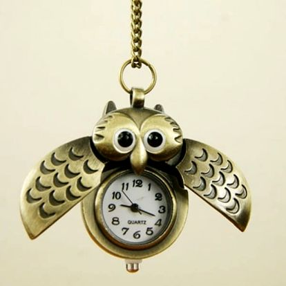 Náhrdelník se sovičkou ukrývající hodinky