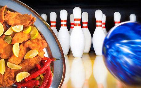 2 hodiny bowlingu a případně kilo řízečků