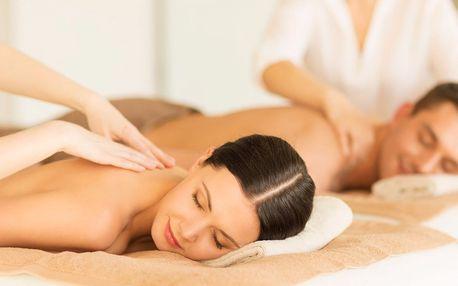 Romantická masáž s aroma lázní a sektem pro dva