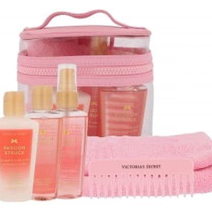 Victoria´s Secret Passion Struck dárková kazeta pro ženy vyživující tělový spray 60 ml + tělové mléko 60 ml + sprchový gel 60 ml + hřeben + ručník + kosmetická taška