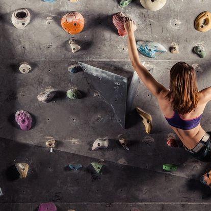 Nová boulderová lezecká stěna